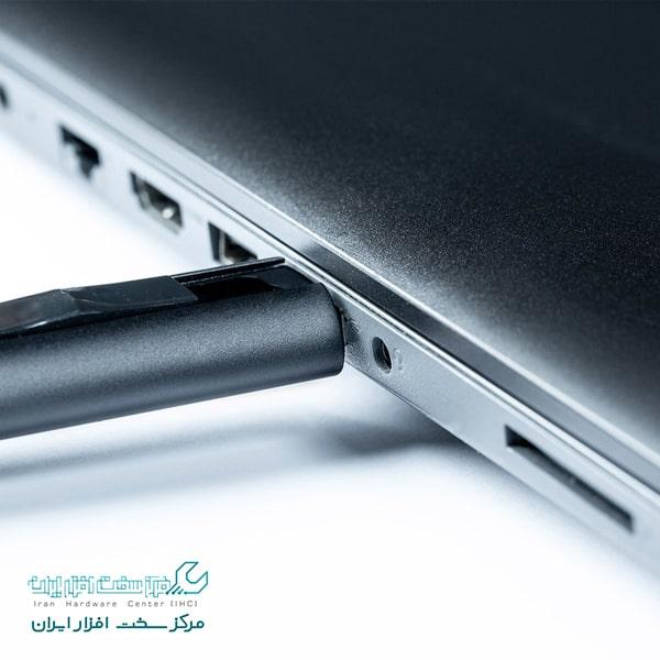 علت باز نشدن فلش در لپ تاپ